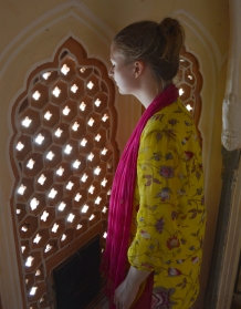 Leanne looking out of Hawa Mahal