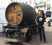 Zac and a barrel o' ale!